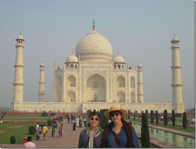 Morgan and Kim at Taj Mahal